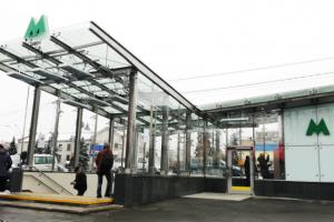 Спайдерное остекление в Киеве. Станция метро Святошин